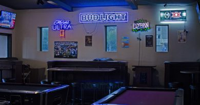 2J's Lounge In Downtown Fullerton Will Make You Feel Transported Back In Time